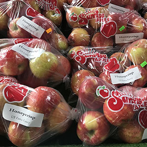 Honeycrisp Apples available at Sunrise Orchards!